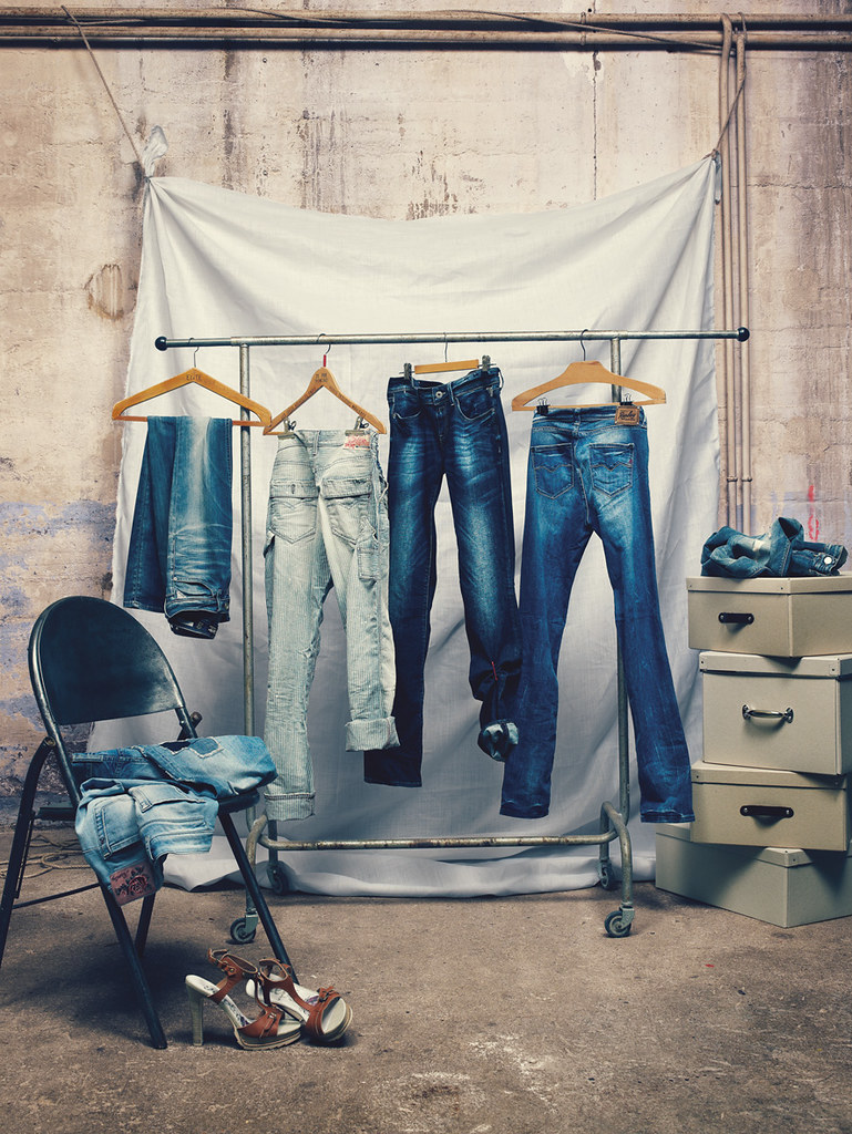 Dia Clothing Stores