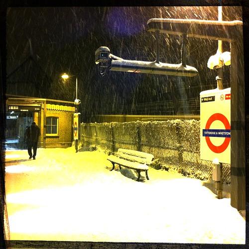 Totteridge & Whetstone Tube Station