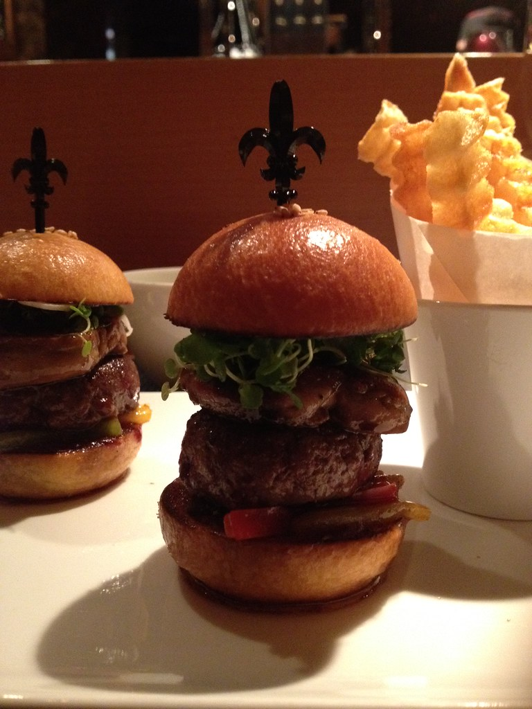 burgers de robuchon beef with foie gras yes the best flickr. Black Bedroom Furniture Sets. Home Design Ideas