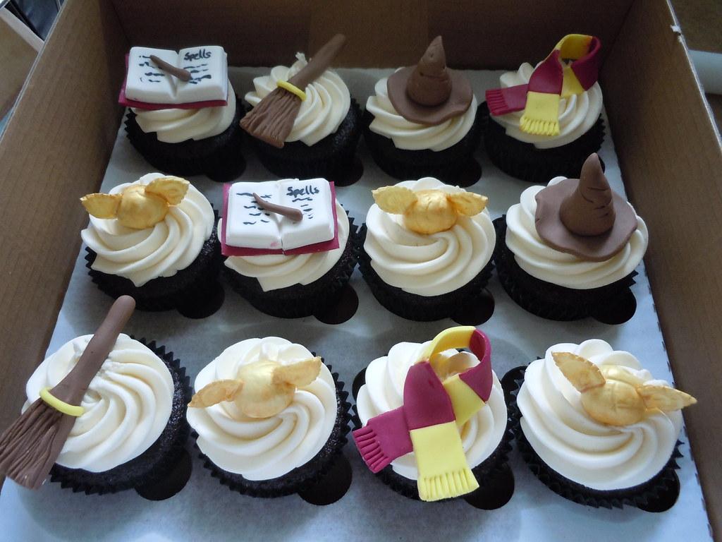 zach 39 s harry potter themed cupcakes julie elliott flickr. Black Bedroom Furniture Sets. Home Design Ideas