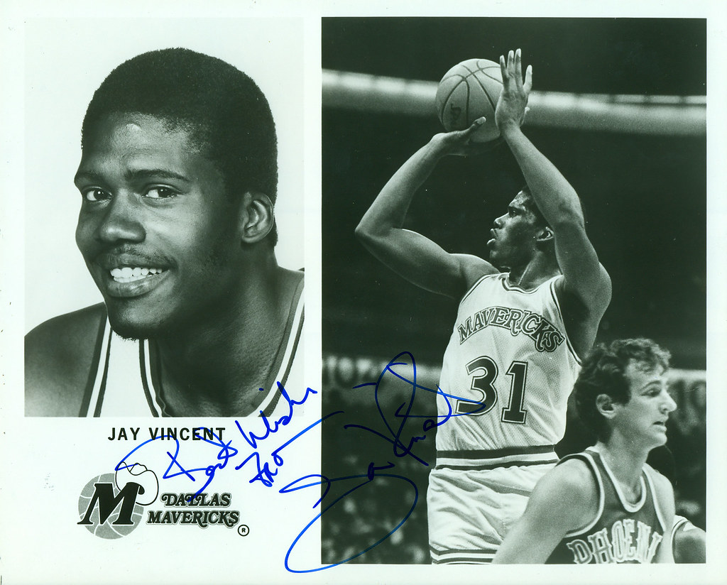 Jay Vincent Dallas Mavericks Autographed 8x10