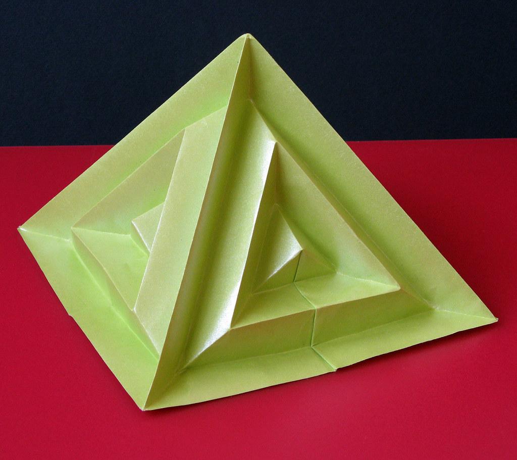 piramide settima pyramid seventh tecnica origami con f flickr. Black Bedroom Furniture Sets. Home Design Ideas