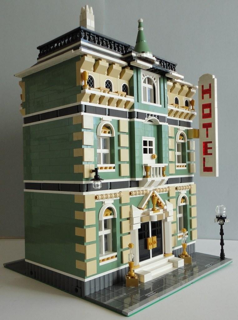 Lego moc modular golden cup grand hotel 001 jorge barros flickr - Lego architecture maison blanche ...