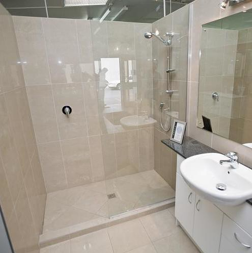 Tiled shower no door tiled shower no door very easy to for Bathrooms direct
