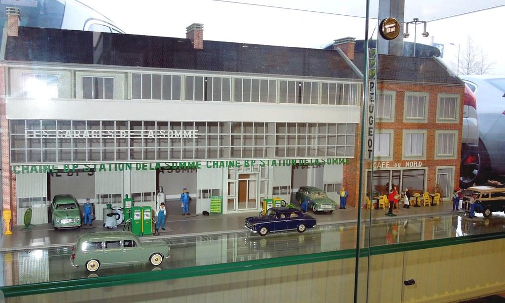 Maquette ancienne concession peugeot d 39 amiens 1 43 flickr for Garage peugeot amiens