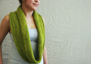 Honeycomb Cowl Madeline Tosh | by ImagiKnit