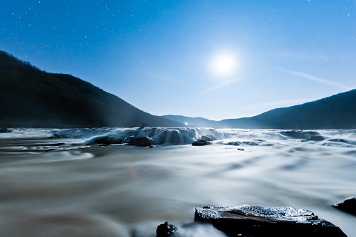Moon at Sandstone Falls | by jon_beard