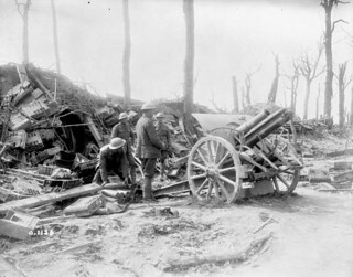 17th Battery, Canadian Field Artillery, firing a German 4.2 gun on the retreating Germans / La 17e Batterie de campagne de l'artillerie canadienne tire un canon allemand de 4.2 cm sur les Allemands en déroute | by BiblioArchives / LibraryArchives