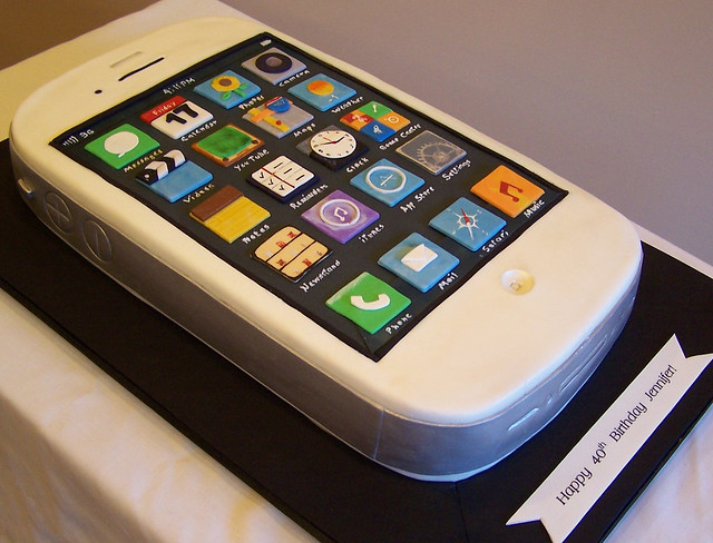 iphone cake last week i was commissioned to replicate. Black Bedroom Furniture Sets. Home Design Ideas