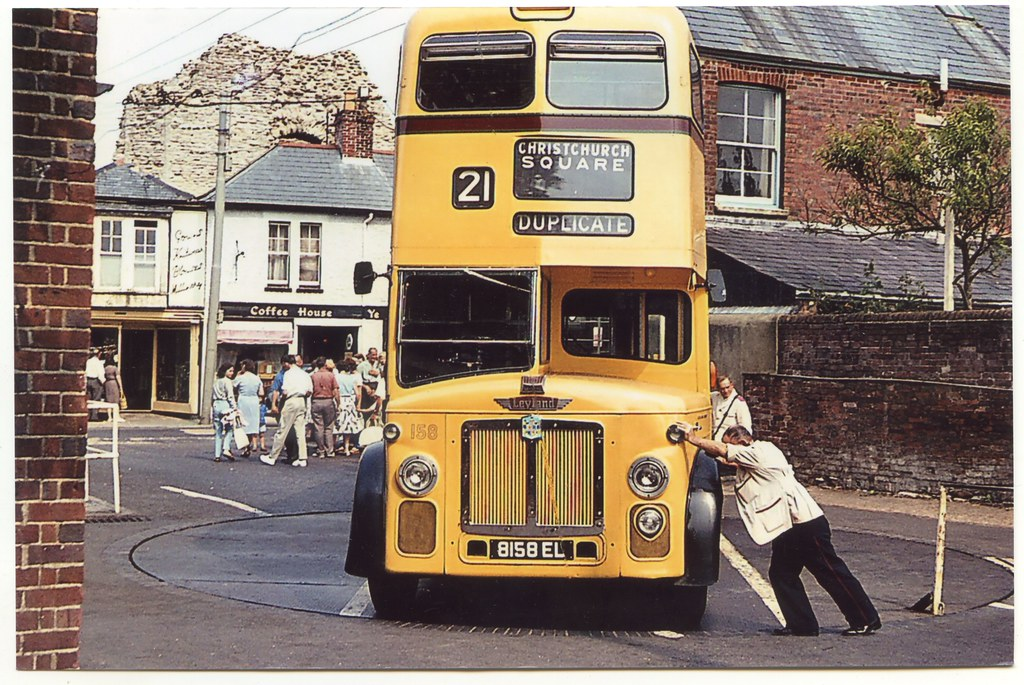 Turntable, High Street, Christchurch, Dorset   Leyland ...