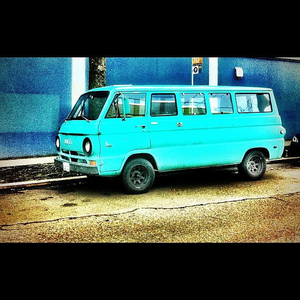 Seattle Dodge: #dodgevan #dodge #van #oldcar #igers_seattle #pnw
