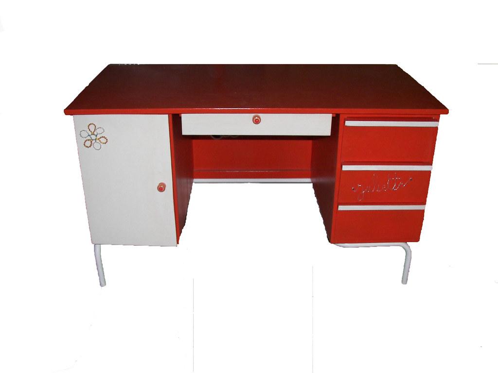 Bureau de juliette  Un vieux bureau en bois, une couleur pé  ~ Vieux Bureau Bois