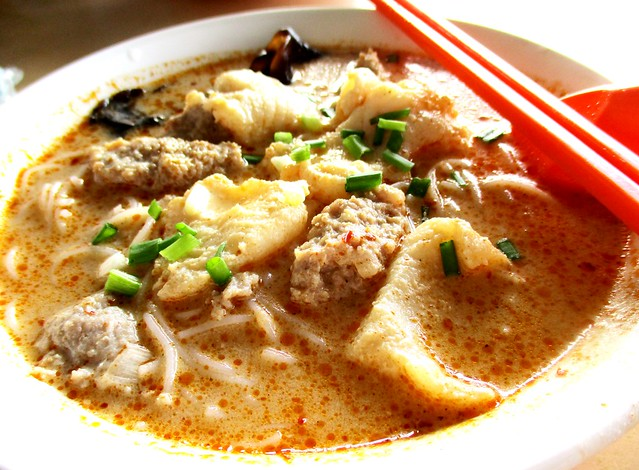 Happy Hoursetom yam bihun