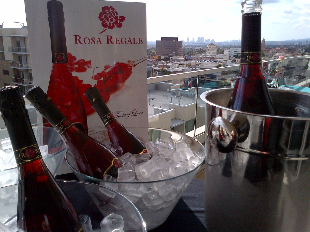 Rosa regale at estelle 39 s all of me beauty style lounge - Regale fa r ankleidezimmer ...