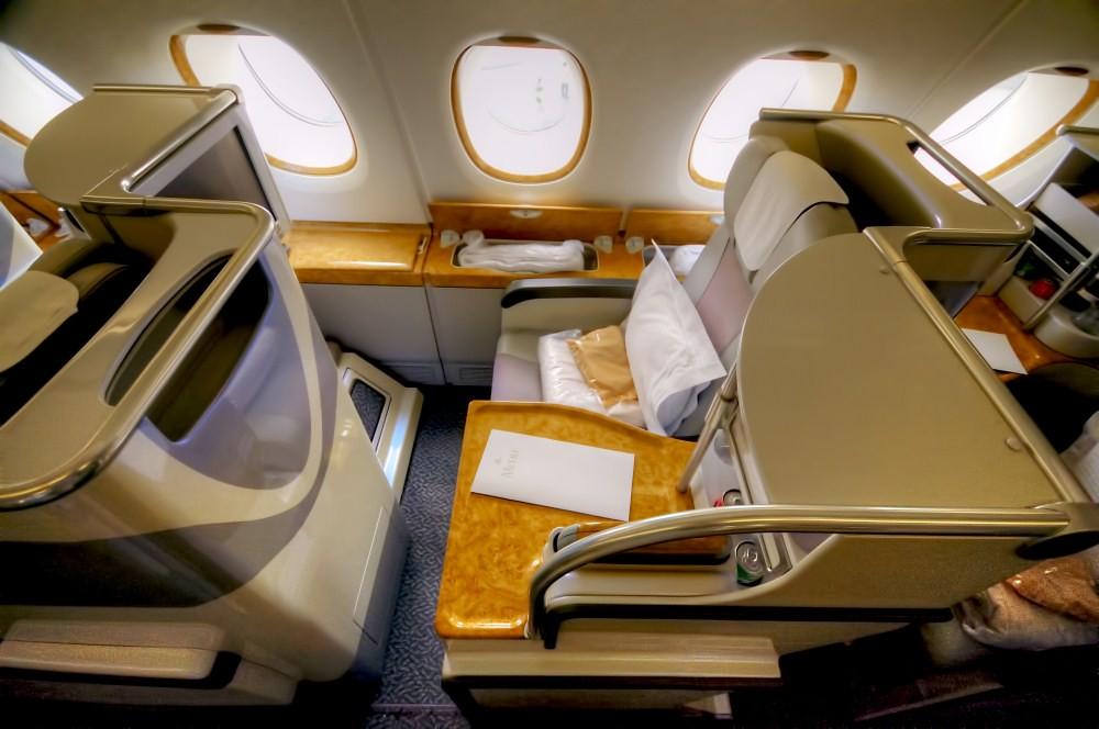Review Emirates Business Class Airbus A380 Dubai