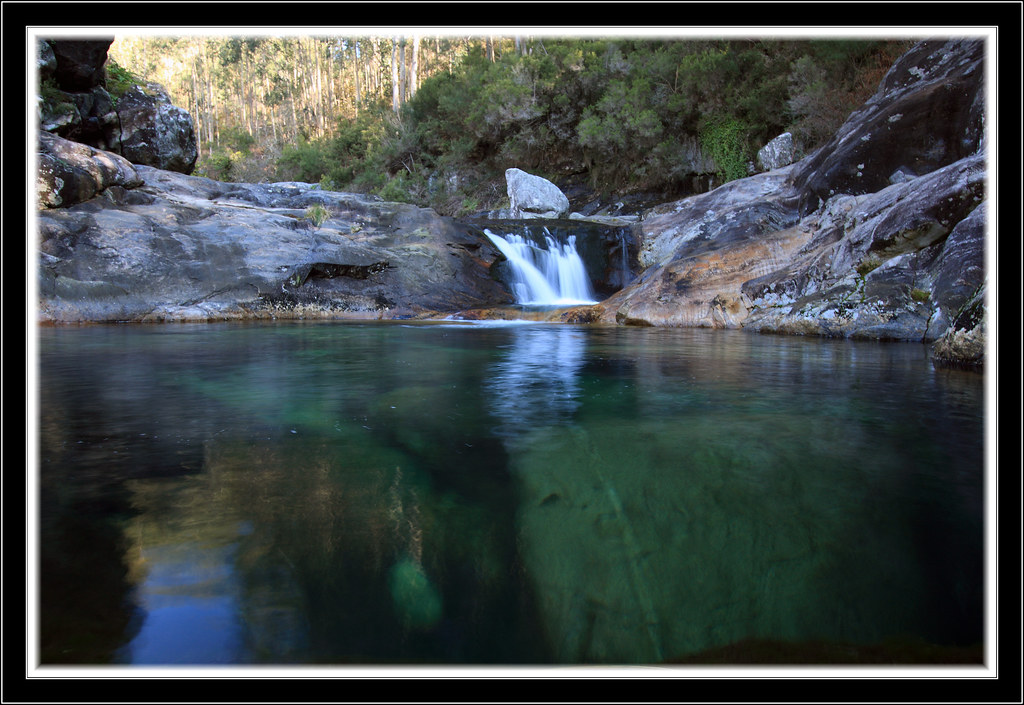 Piscinas do rio pedras piscinas naturales del rio pedras for Piscinas naturales rio tormes
