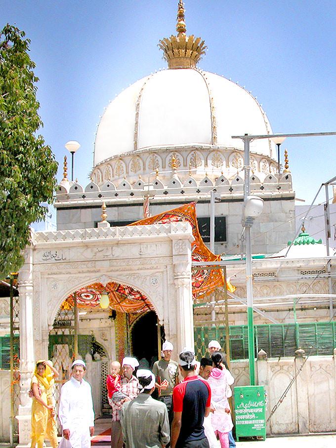 Ajmer India � Main entrance gate to Mazar Sharif - Hazrat Khawaja ...