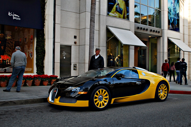 black n yellow bugatti veyron black n yellow bugatti veyro flickr photo sharing. Black Bedroom Furniture Sets. Home Design Ideas