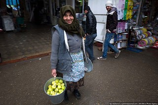 Woman with apples, Baku | by varlamov