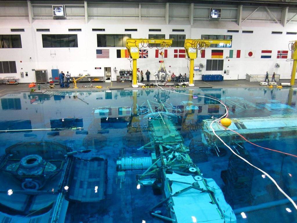 NASA JSC Neutral Buoyancy Laboratory (NBL) | Space walks ...