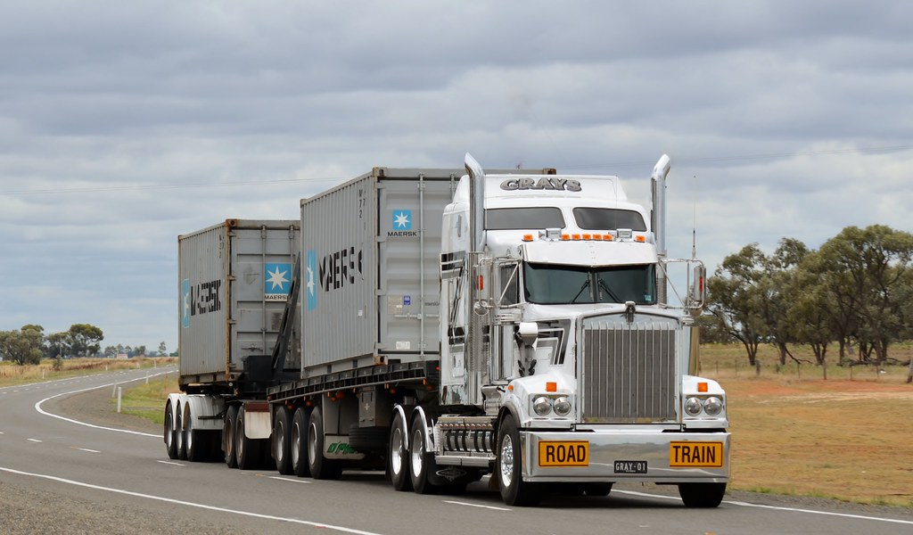 Grays Kenworth Heads South ,Newell