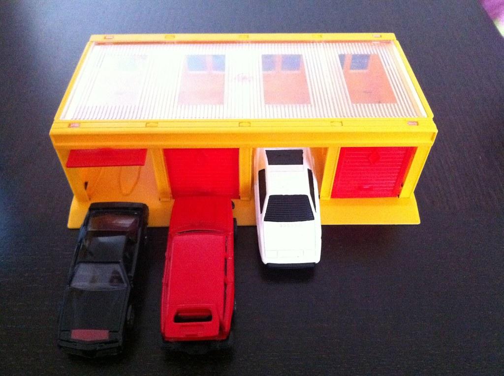 Corgi Juniors Multi Garage Made In Gr Britain 1984