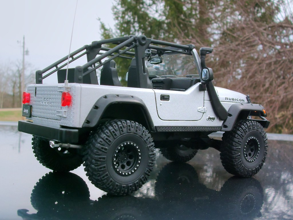Jeep Wrangler Rubicon Built From The 1 25 Scale Revell Quot To Flickr