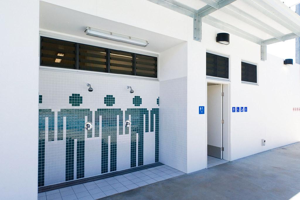 Colmslie pool external showers brisbane city council - Brisbane city council swimming pools ...