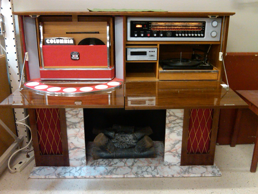 Vintage 60 S Stereo Bar W 8 Track And A Built In
