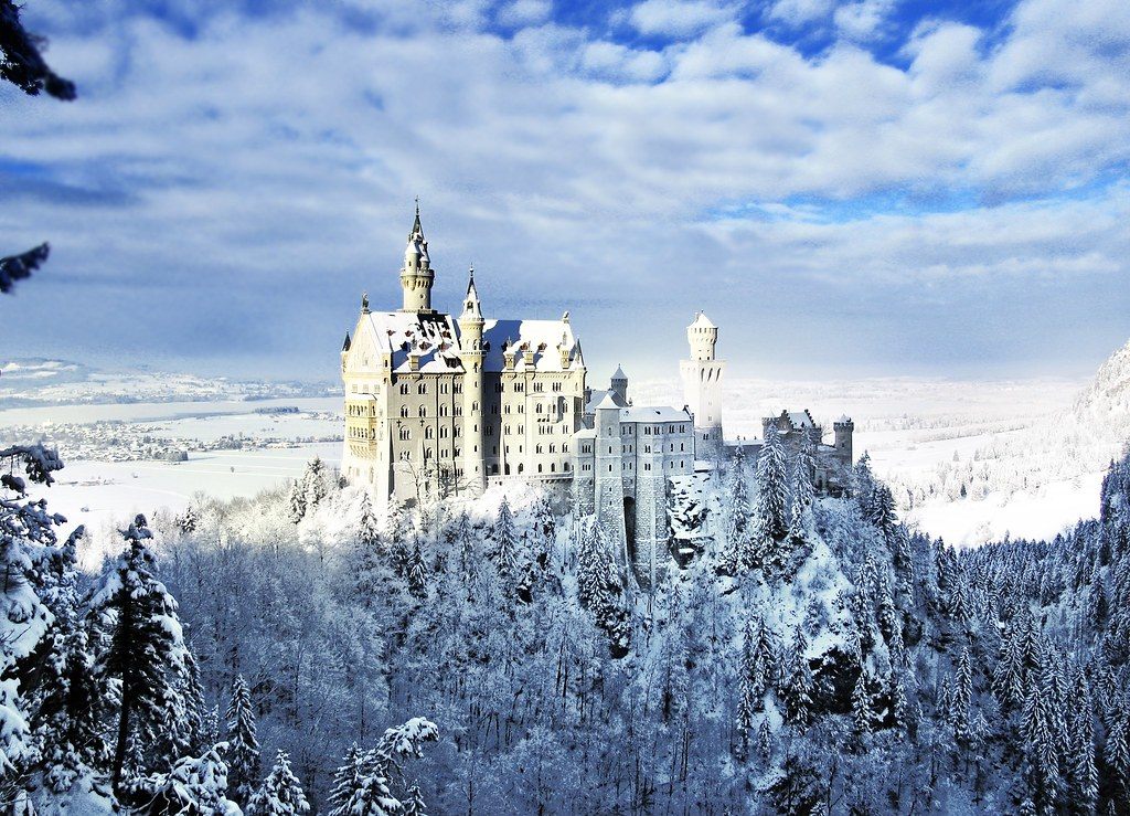 Neuschwanstein--Castle in fairytale | Photo courtesy Lian Du ...