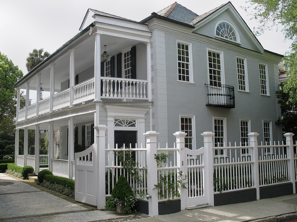 The classic charleston single house architectural style for Charleston single house