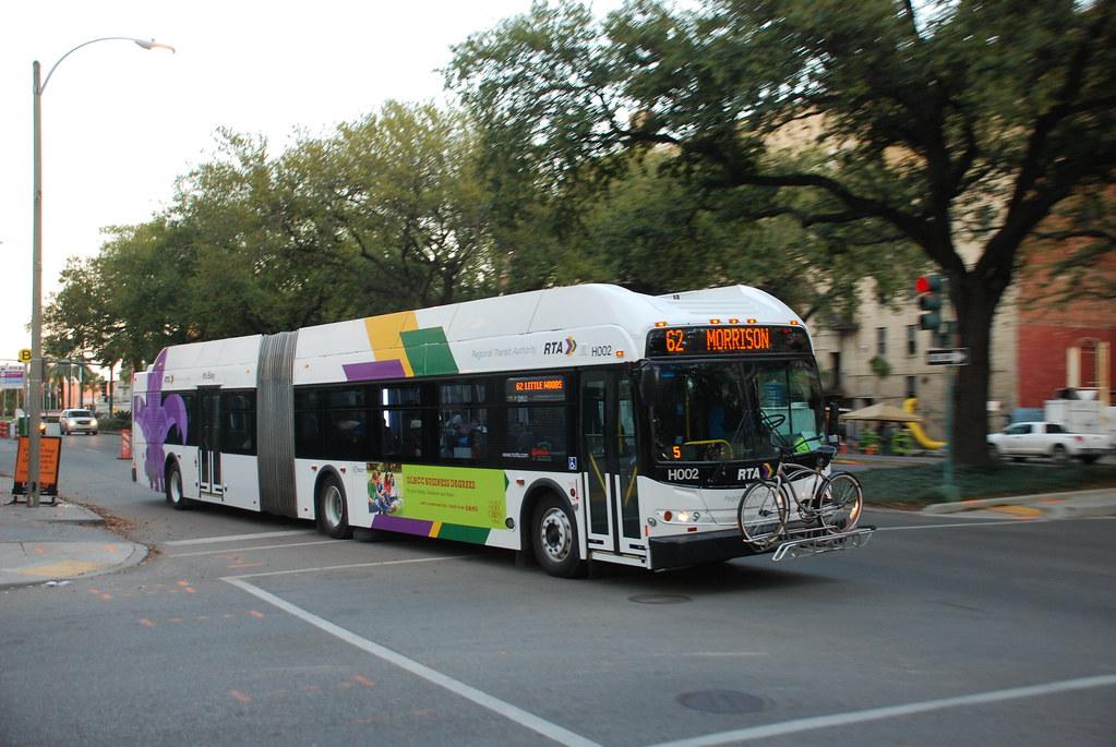 rta bus new flyer de60lfr in downtown new orleans louisia flickr. Black Bedroom Furniture Sets. Home Design Ideas