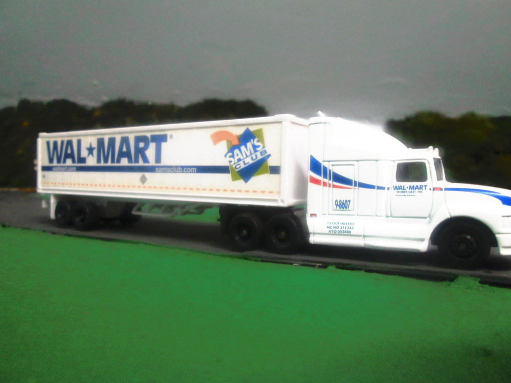 walmart truck flickr. Black Bedroom Furniture Sets. Home Design Ideas