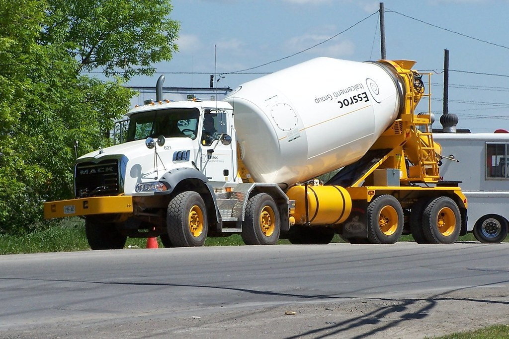Essroc 621 Mack twin-steer quad-axle ready-mix truck Ottaw… | Flickr