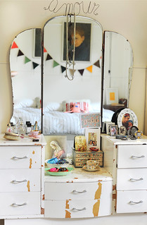 dressing table | by paula mills illustration