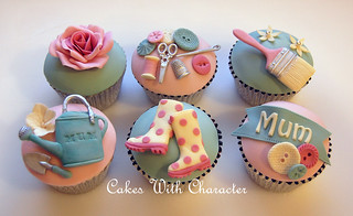 Mothers Day Cupcakes | by Cakes with Character / Tracey