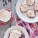 Tartlets with black currant and meringue