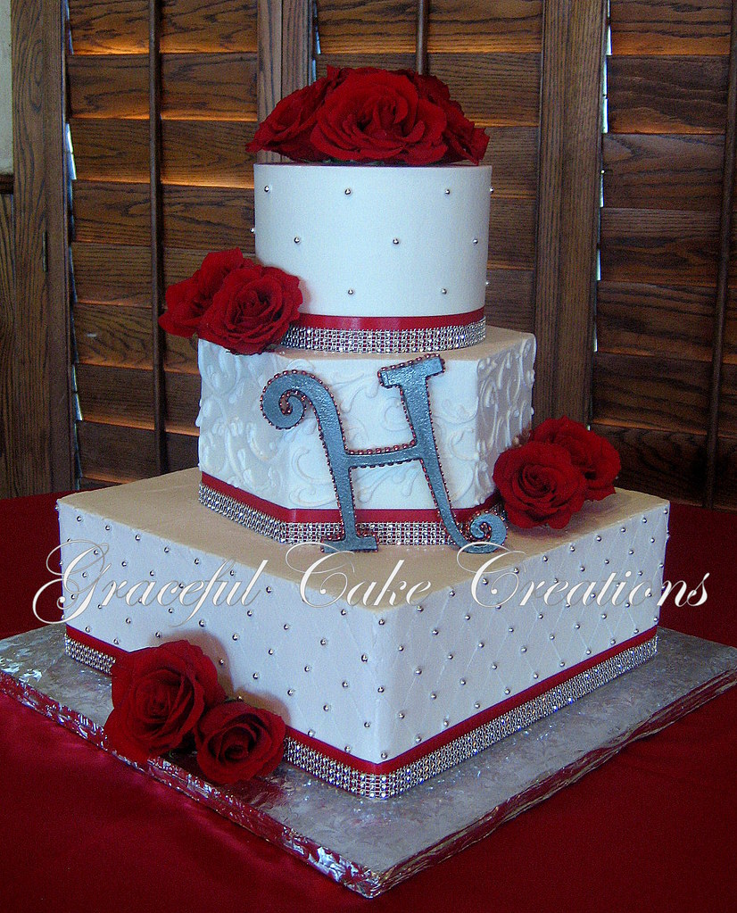 wedding cakes with red roses and bling white wedding cake with roses and bling flickr 26098