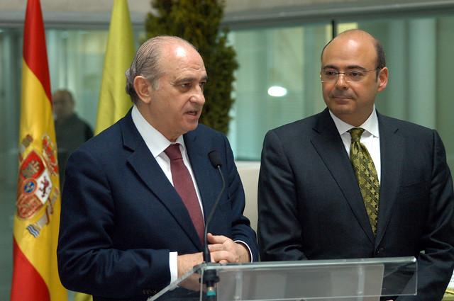 Visita del ministro del interior a la diputaci n de for Escuchas del ministro del interior
