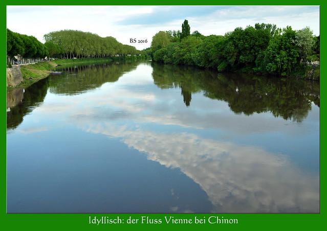 Nach einer langen, anstrengenden Fahrt und Zwischenstopps in Chaumont-sur-Loire und Amboise kommen wir am Nachmittag in unserem Hotel in Chinon an. Chinon und sein Schloss bzw. seine Burg liegen nicht an der Loire, sondern an einem ihrer Nebenflüsse: der Vienne; das Schloss wird in der Reiseliteratur dennoch zu den Loireschlössern gezählt. Nur hundert Meter aus dem Hotel und die ganze Pracht liegt vor uns: Fluss, Brücke und auf der anderen Seite die wunderschöne Burg. Drei Tage haben wir Zeit, diesen schönen Ort zu erkunden und das Schloss zu besichtigen. Deshalb begnügen wir uns heute nur mit Gucken, ein paar Schritten in die Altstadt, einem Abendessen mit Salat und Wein direkt von den Hügeln bei Chinon. Dann fallen wir müde ins Bett. Noch ist das Wetter schön und der Fluss ruhig und beschaulich. Wir haben Glück! - Foto Brigitte Stolle Mai 2016