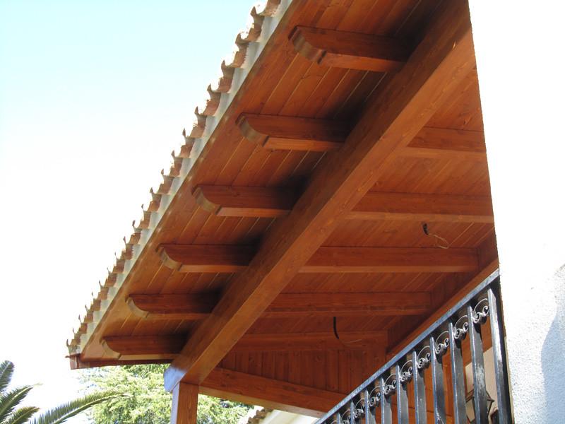 Porche de madera con teja moruna en valencia amplian la - Porches de madera valencia ...