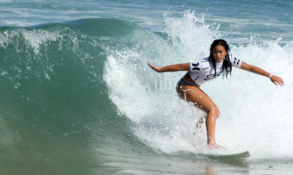 Women Surfers - Australian Open of Surfing Manly Beach 201 ...
