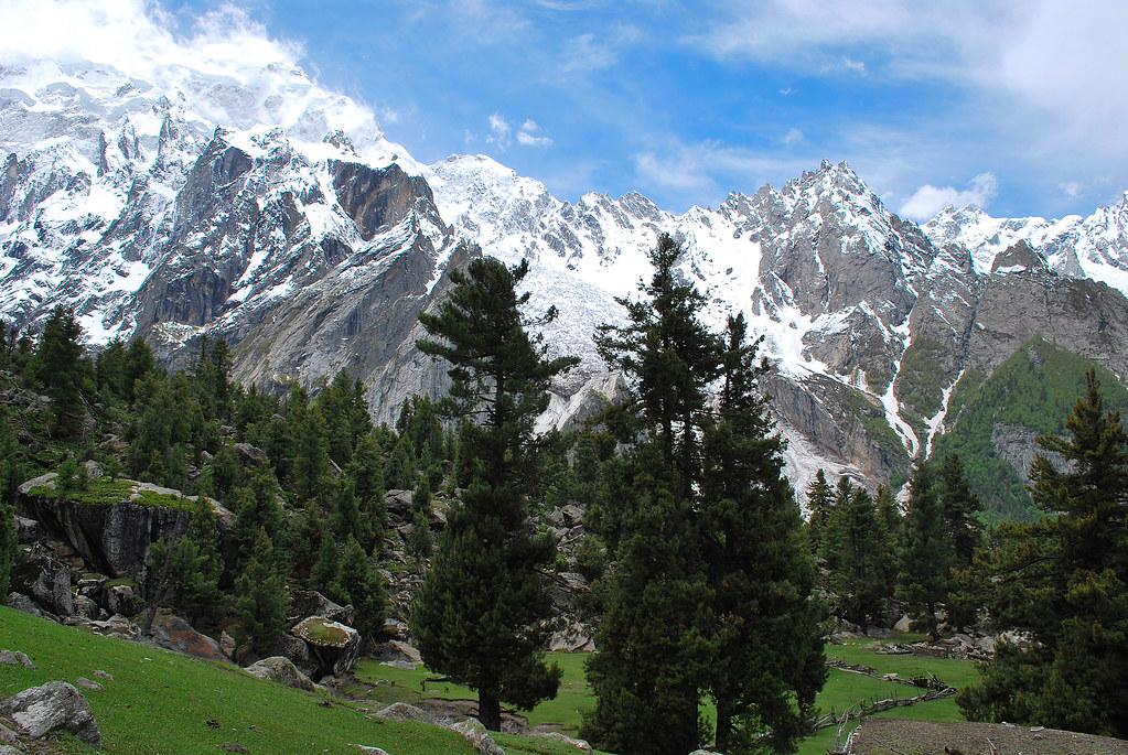a durand line agreement Durand line or border  the durand line agreement led to delineation of the border running from the karakoram range in the northeast to the south through the.
