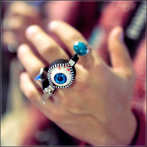 Eyeball Zipper Ring | by tokyofashion