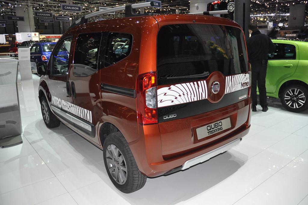 fiat qubo trekking 2012 geneva motor show fiatontheweb. Black Bedroom Furniture Sets. Home Design Ideas
