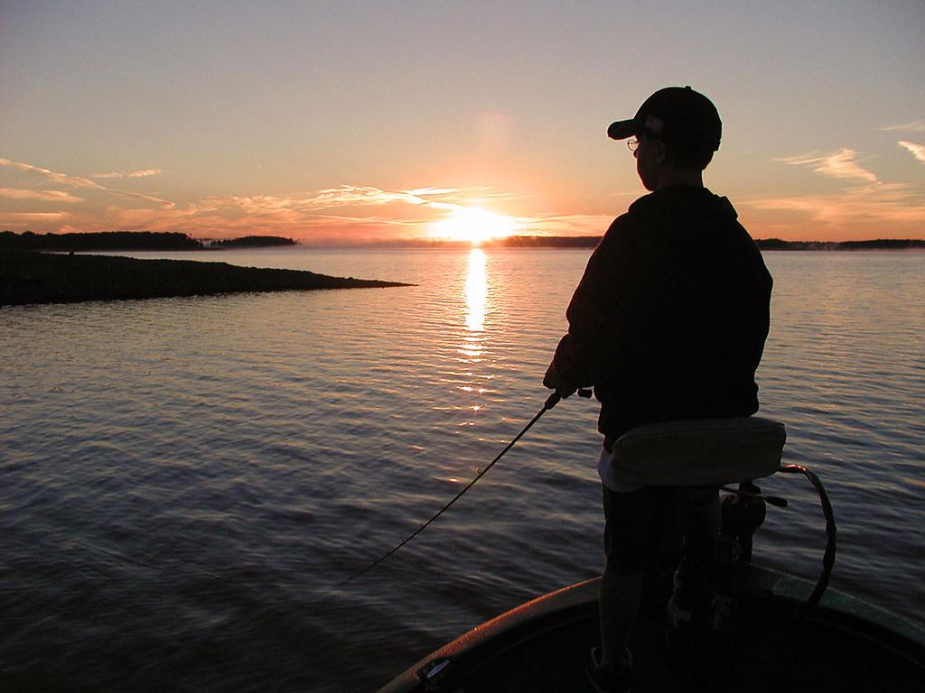Mark twain topwater daybreak topwater fishing at mark for Mark twain lake fishing report