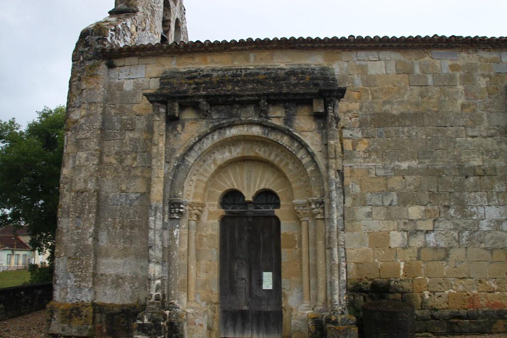 Eglise de sainte colombe de duras eglise romane for Eglise romane exterieur