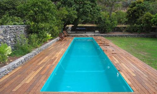 Canal de nataci n construcci n de piscinas canal de for Piscina de canal