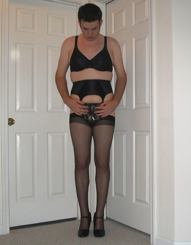 Men forced feminization and wear pantyhose