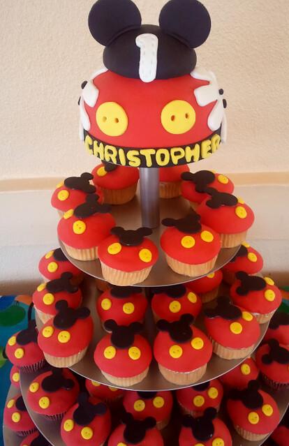 Mickey mouse cupcakes mickey mouse cupcakes flickr photo sharing